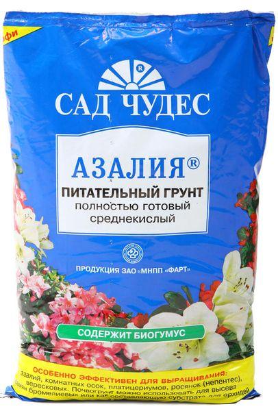 Для камелии можно использовать слабокислый грунт для азалий