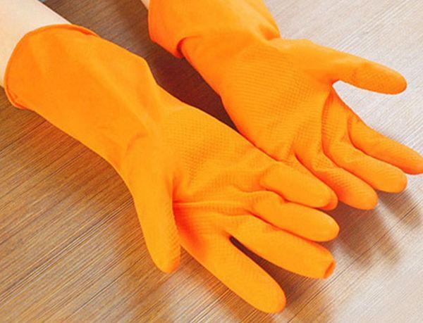 Перчатки защищают кожу
